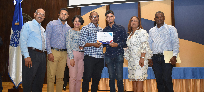 UASD Centro San Juan realiza acto de reconocimiento al Mérito Estudiantil