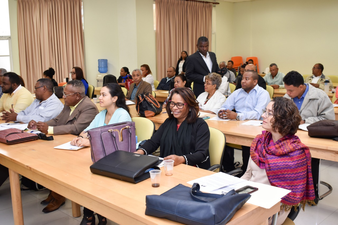 Imparten Taller Sobre Elaboración de Propuesta de Investigación Científica en UASD Centro San Juan