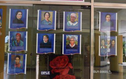 """Ponen en exhibición galería """"Homenaje Eterno a mujeres de la Patria"""", en UASD San Juan"""