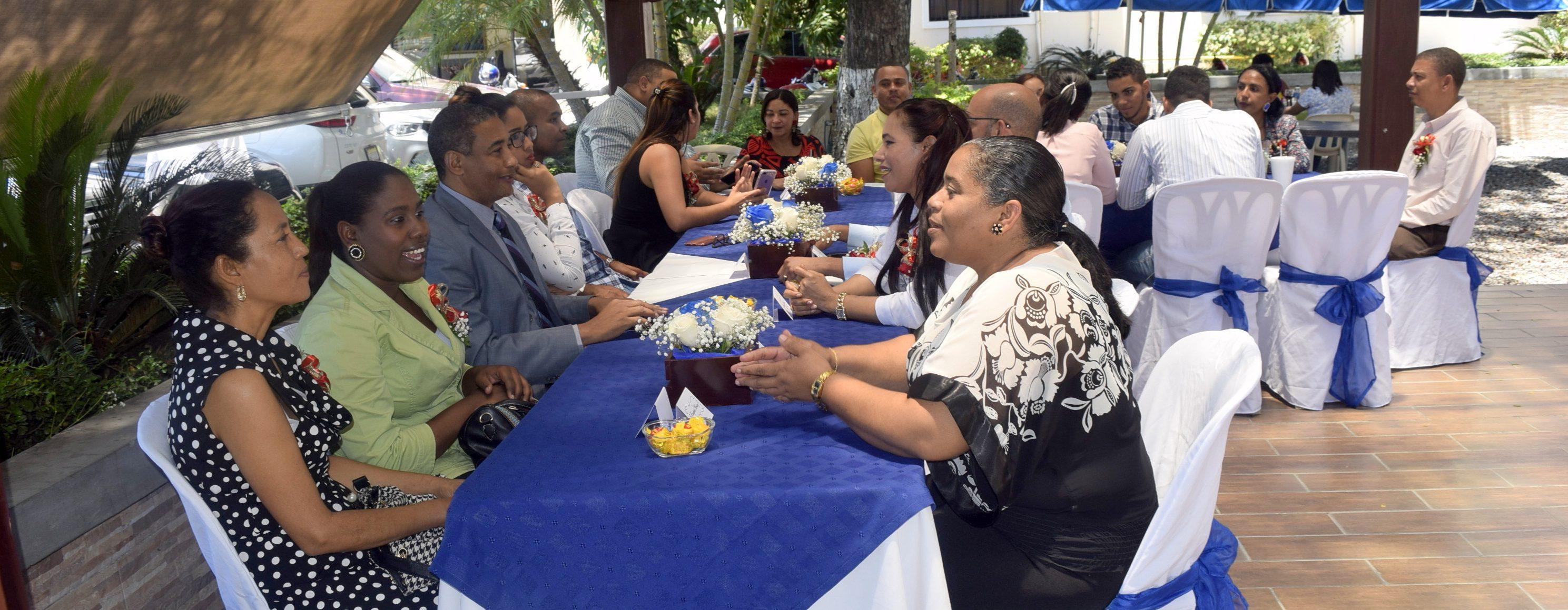 En UASD Centro San Juan agasajan a las secretarias en su Día