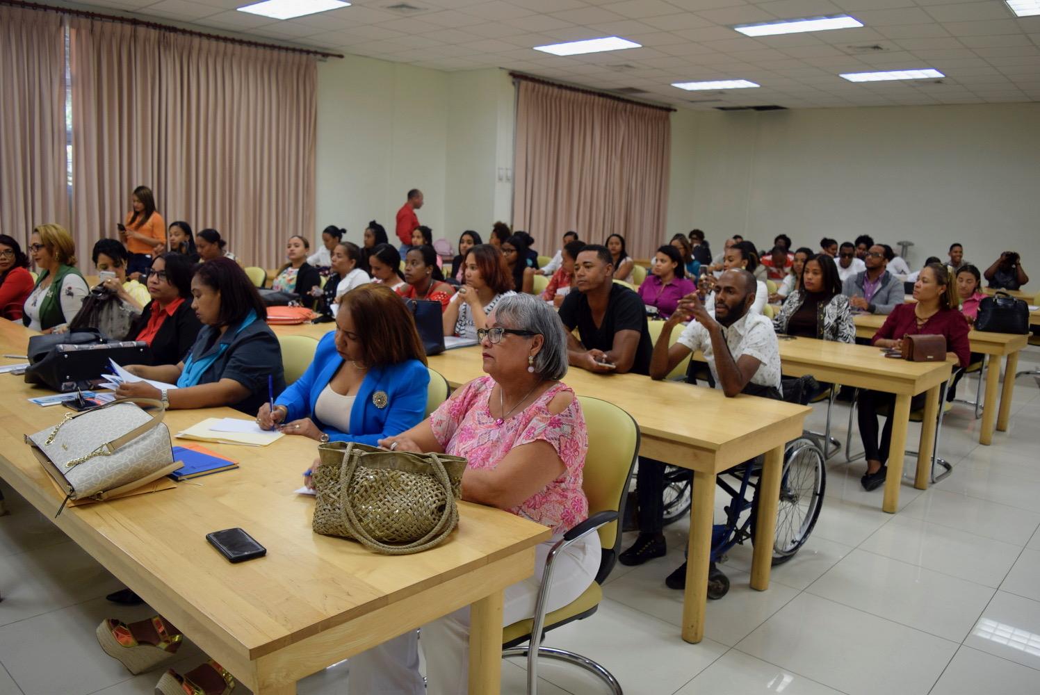 Realizan taller seguimiento Proyecto de Fortalecimiento Organizaciones de Personas Con Discapacidad, UASD Centro San Juan