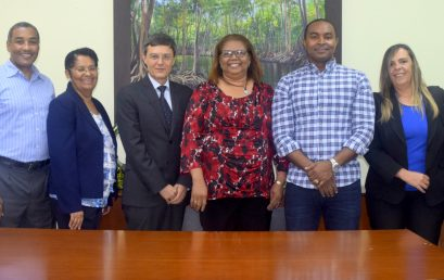 Imparten taller a Docentes UASD Centro San Juan sobre uso de Tecnología para Fortalecer la Enseñanza-Aprendizaje