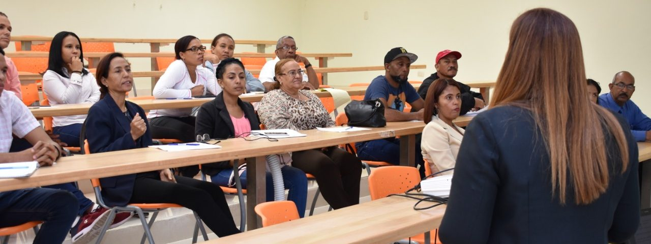 UASD Centro San Juan de la Maguana capacita Personal Administrativo vía INFOTEP