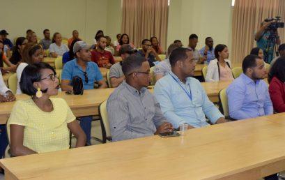 Inician Cursos Monográficos de Licenciatura en Lenguas Modernas, Mención Inglés y Administración de Empresas, Contabilidad y Mercadeo.