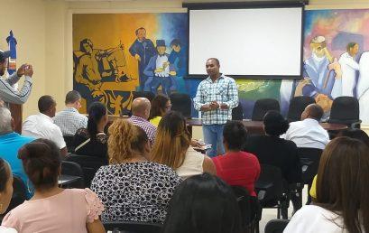 Reunión con el Personal de Salud de la Provincia de Azua para informar sobre Maestría en Salud Pública