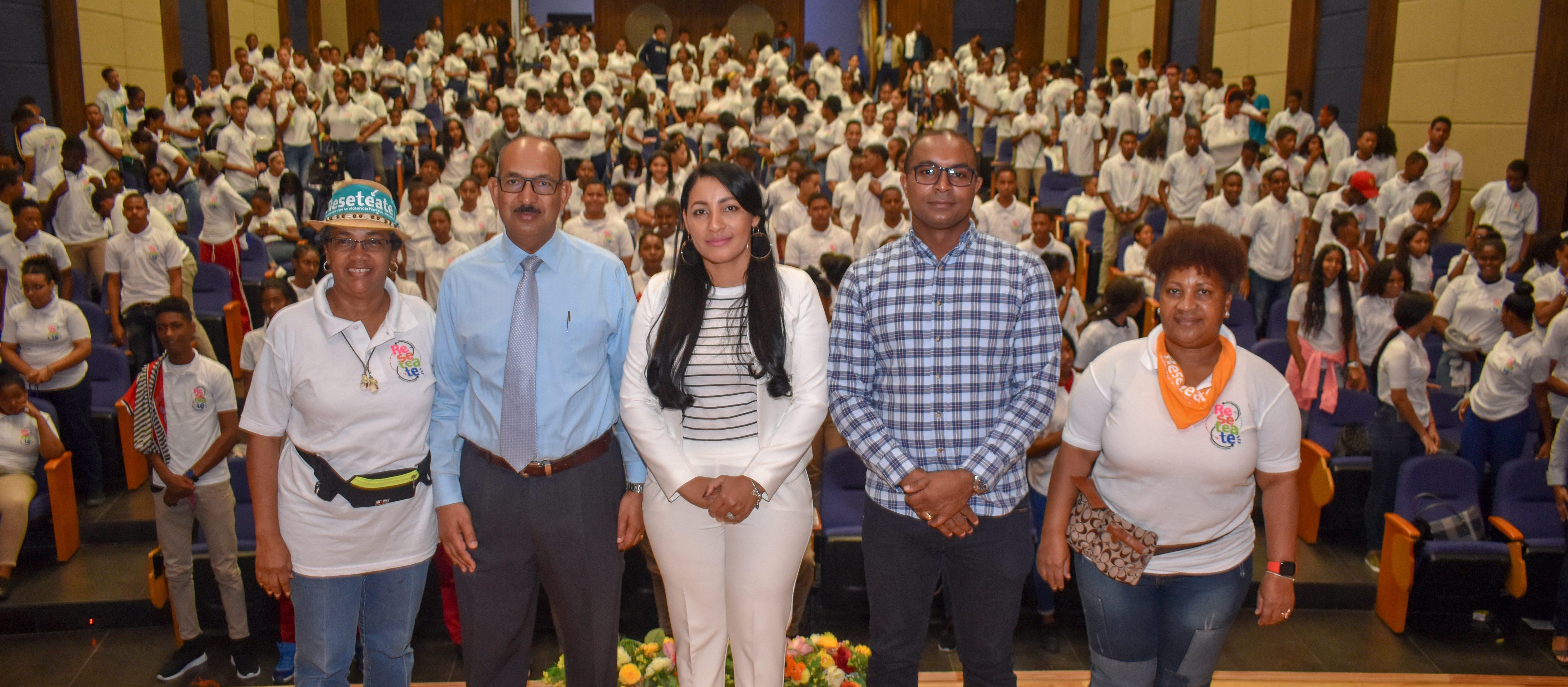 """La Dirección de Equidad de Género y Desarrollo del Ministerio de Educación realiza Rally """"Resetéate"""" en UASD Centro San Juan"""