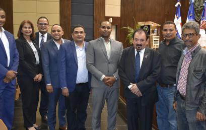 """Dictan conferencia """"Salud de los Pueblos Centroamericanos y del Caribe a la luz de las Reformas Jurídicas y Estructurales"""" en UASD Centro San Juan"""