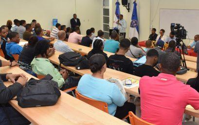 Finalizan Diplomados Proyecto Formación y Capacitación Talento Humano de Software Digital en UASD Centro San Juan de la Maguana.