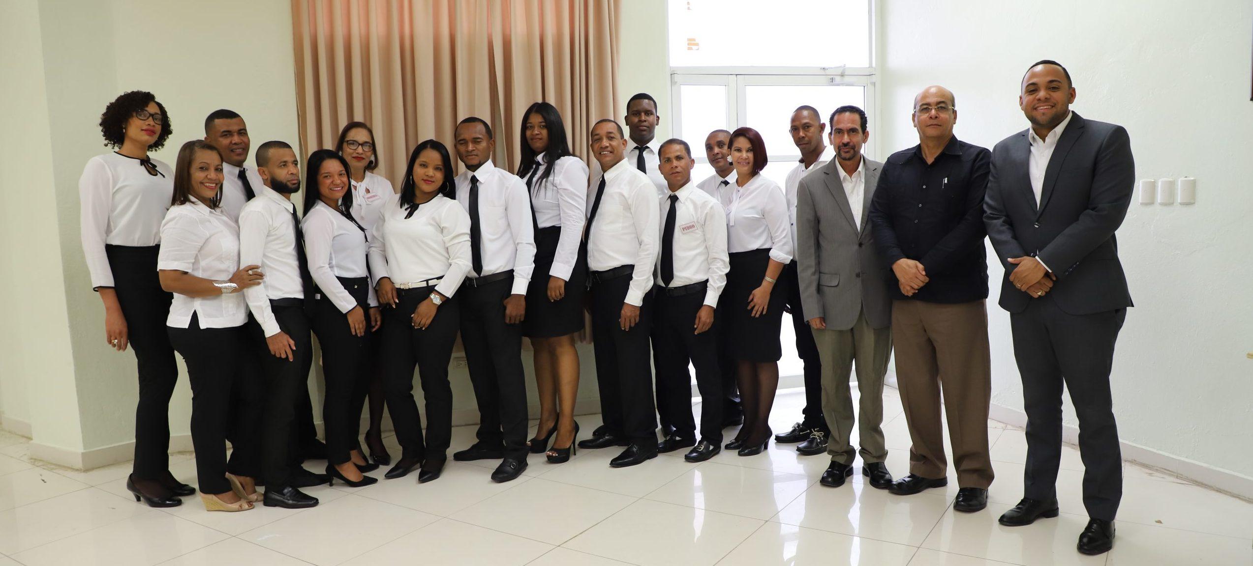 Estudiantes de la Facultad de Ciencias Jurídicas y Políticas presentan Trabajo Final de Monográfico No. 04