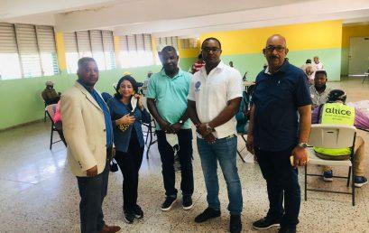 Director general del Recinto UASD San Juan visita comedor económico